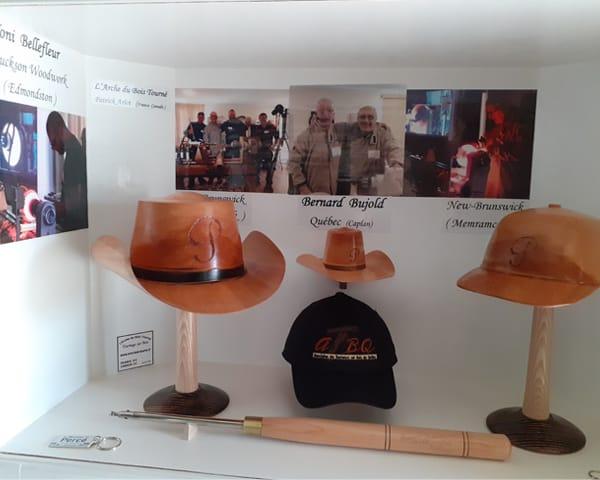 Chapeaux canadiens en bois